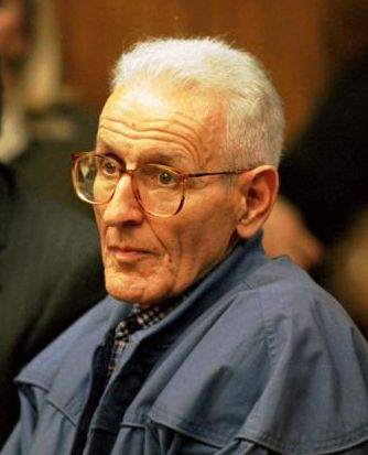 http://cliptank.com/PeopleofInfluencePainting_files/jack-kevorkian-photo.JPG